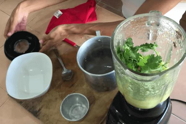 Salsa verde de chile habanero