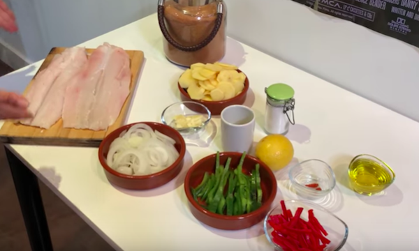 filete de merluza al horno con patatas y verduras